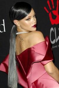 Rihanna_glamour_10dec14_rexfeatures_b_449x675_1